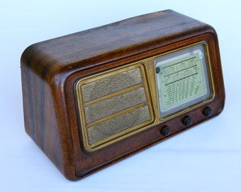 Vintage CGE radio, model 395, wooden case, late 1940s