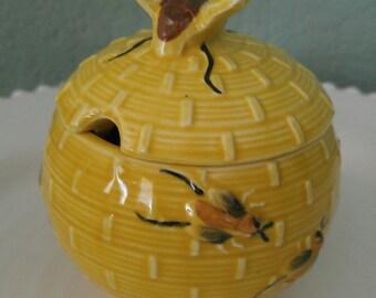 Vintage Honey Pot, Ceramic Honey Jar with Bee Lid, Yellow Pottery Honey Pot, Honey Bee, Bee Honey Pot, BeeHive Honey Pot, 1950s Honey Pot