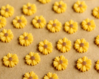 20 pc. Yellow Two-Tone Daisy Flower Cabochons 9mm | RES-597