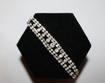 25% OFF JEWELRY 1950s Hollywood Bombshell Clear Rhinestone Bracelet