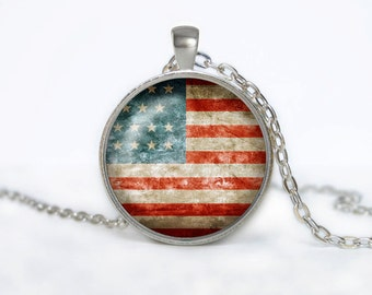 Vintage USA the stars and  the stripes flag Pendant necklace