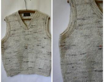 Vintage Winter Wool Sweater Vest / 1970s Campus Girl Sweater Vest / Pullover Sweater Vest / Vintage Eddie Bauer  M/L