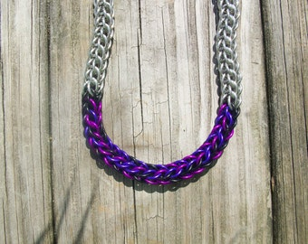Full persian necklace with a pop of color