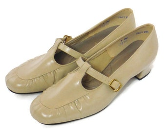 Vintage ladies beige t strap chunky heel mary Janes by Auditions made in the USA