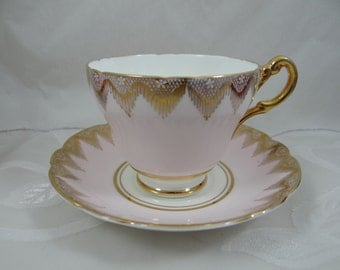 Vintage 1950s Regency English Bone China Teacup Pink and Gold English Teacup and Saucer - lovely tea cup