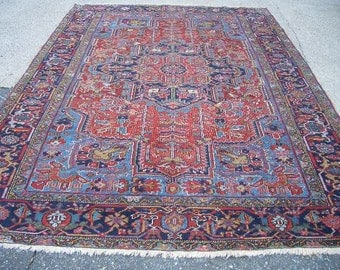 1930s Hand-Knotted Antique Heriz Persian Rug (3231)