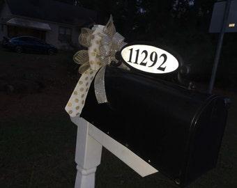 Mailbox bow