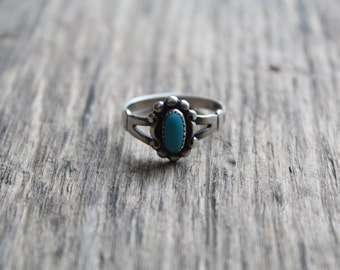 Vintage Sterling Silver Blue Turquoise Ring - Bell Trading Company