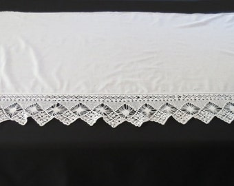 Top of Cupboard Liner With Deep Crochet Edging