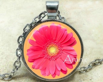 Pink gerber daisy pendant, pink daisy necklace, pink daisy pendant, gerber daisy pendant, gerber daisy, Pendant #PL216P