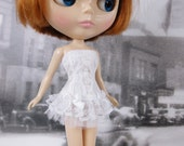 Romantic burlesque white corset hand made fits Blythe doll