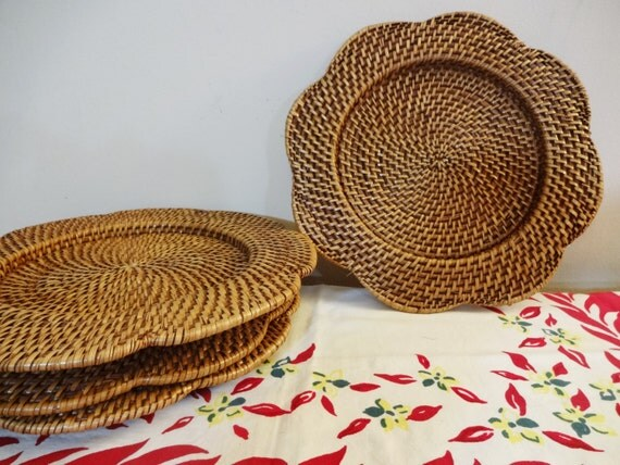 vintage rattan wicker plate holders set of 4 paper plate. Black Bedroom Furniture Sets. Home Design Ideas