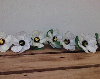 Vintage White Silk Flower Napkin Ring Green Wire set of 9