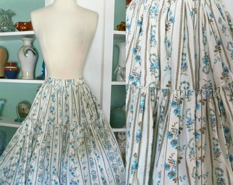 1950s Floral Skirt / Vintage 50s White Blue and Brown Floral Vine Cotton Tiered Layered Square Dancing Style Full Skirt / Rockabilly - S