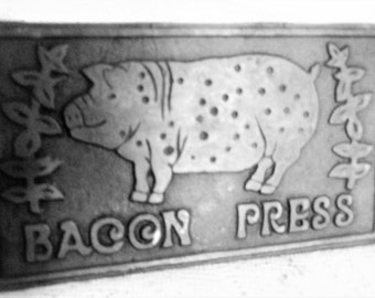Bacon Press,  Cast Iron Bacon press with wood handle, Farmhouse Bacon Press, Vintage Country Bacon Press with Pig