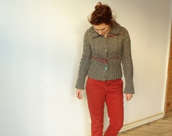 Handmade grey natural wool women cardigan with buttons
