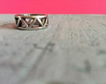 Triangle Metal Midi Ring