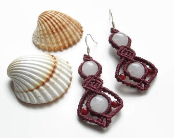 Red micro macrame earrings with white jade and red agate beads, boho fashion jewelry with semiprecious stones, knotted gypsy earrings