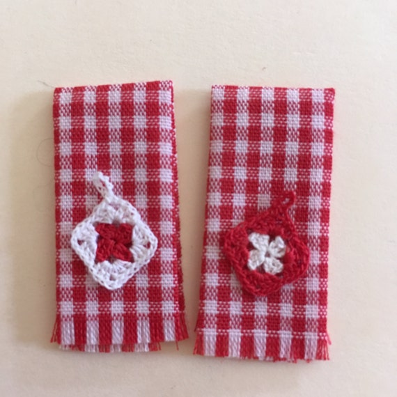Red Pot Holders: Dollhouse Miniature Crocheted Red Pot Holders With Dish Towels