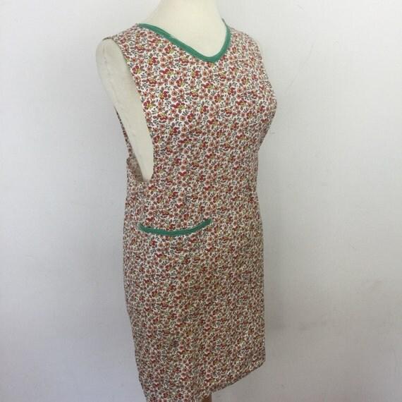 Vintage cotton apron 1940s pinny fun kitchen pinafore original floral pattern gift hostess full apron chintz handmade UK 12 plus
