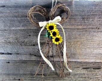 Sunflower Door Wreath, Summer Front Door Wreath, Natural Twig Grapevine BOW Wreath, Wreath for Door, Rustic Farmhouse Country Wreath Decor