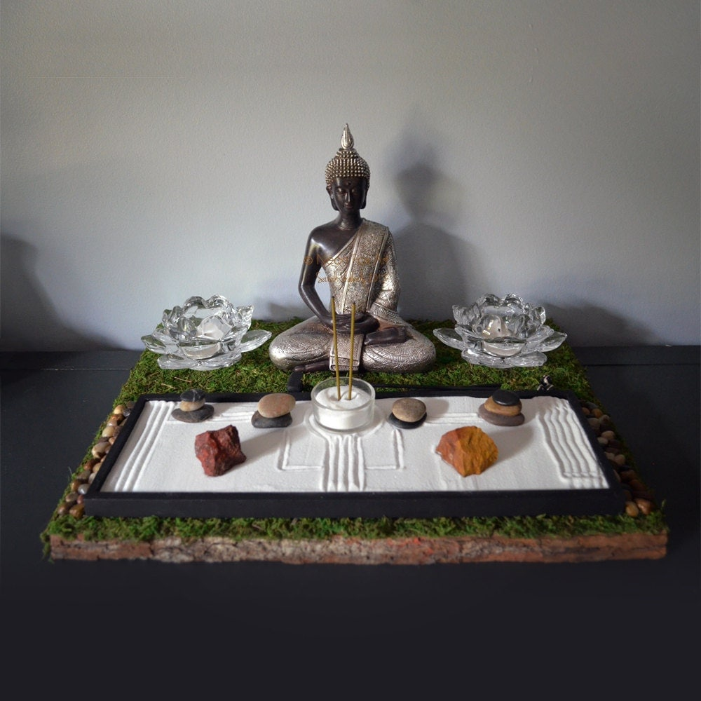 Meditating buddha statue buddhist altar table shrine for Organiser un stand