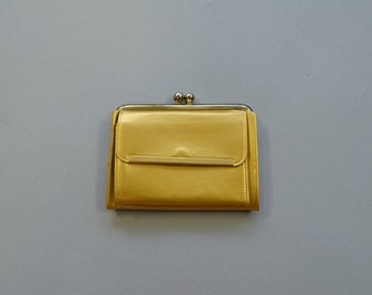 1960s gold coin purse and keyholder