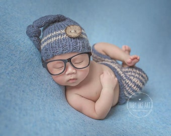 SALE!  Newborn set,Photo prop,Knitting set,Bonnet and pants,Newborn knitting hat,Newborn knitting pants
