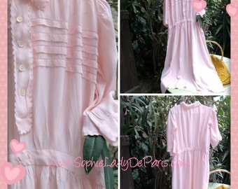 Vintage 40's Nylon Nightgown Pink French Short Sleeves Front Buttoned Pleated Medium Large #sophieladydeparis
