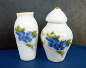 Porcelain mini vases