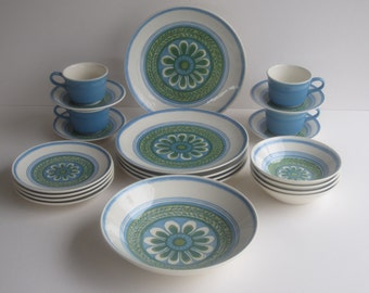"""Royal China 22 Pieces of Vintage Ironstone """"Tripoli"""" Pattern Serves 4 Dining Guests- Made in USA"""