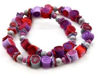 Colorful necklace, Felt necklace, Felt bead necklace, Statement necklace, Long necklace, Gift for mother, Gift for grandma, Red necklace
