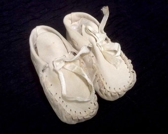 Vintage Infant Baby Moccasins. Off White Leather.  Ribbon.  Some Discoloration