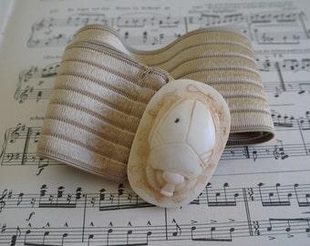 "Vintage Scarab Beetle Belt - Small - 26"""