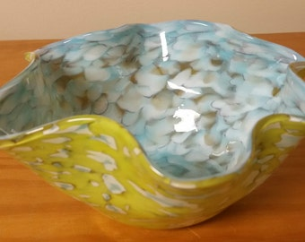 Hand Blown - Art Glass Bowl - Beautiful Multicolors