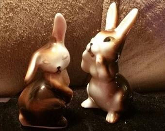 Pair of vintage brown bunnies