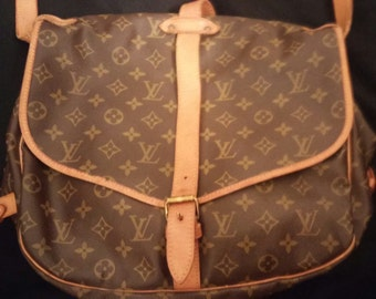 Louis Vuitton Saumur 35 MM Saddle Crossbody Handbag Shoulder Bag