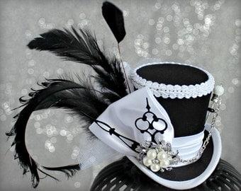 Black and White Mini Top Hat, Tea Party Hat, Mad Hatter Tea Party Hat, Black Kentucky Derby Hat, Women Mini Top Hat, Women Fascinatortor