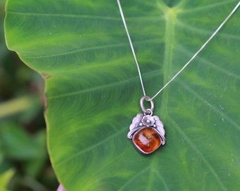 Native American Silver and Amber Necklace w/ floral detail