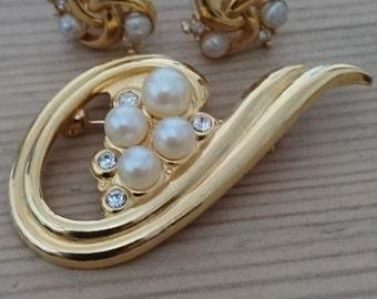 Vintage brooch and earrings set