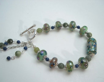 Lampwork bracelet with Serpentine and Lapis Lazuli, Lampwork bead bracelet, Organic lampwork beads, Glass bracelet. Handmade beaded bracelet