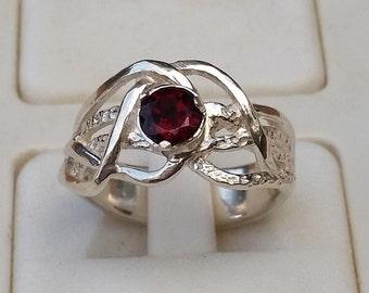 Garnet Silver Ring, Engagement Garnet Ring, Promise Ring, Sterling Silver 925 Ring, Gemstones Ring, Birthstone Ring, Handmade Garnet Ring