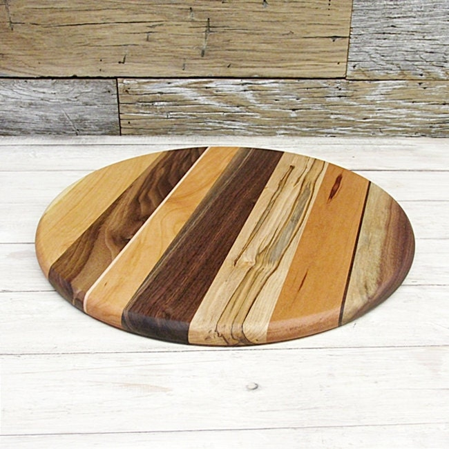 sale price reduced wooden cutting board round fifteen. Black Bedroom Furniture Sets. Home Design Ideas