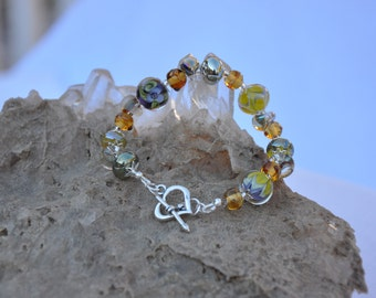 BRILLIANT  HANDMADE Borosilcate Glass Bead Bracelet with Sterling Silver heart toggle closure