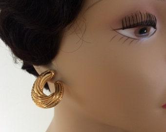 Vintage Goldtone Pierced Dangle Earrings