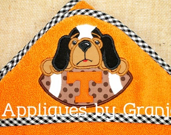 Personalized Appliqued Hooded Baby Bath Towel With  Tennessee Vols Smokey inspired Hound with Football