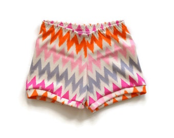 Baby Shorts Pink Chevron Stripe / Toddler Shorts / Child Shorts / Infant Shorts / Kid Shorts / Baby Boy Shorts / Baby Girl / Outfit