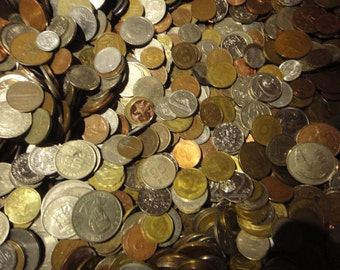 50 Different Foreign Coins (For Collecting, School Projects, or Crafting). (FREE SHIPPING)