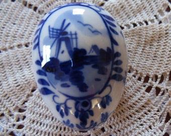 Delft Egg - handpainted trinket box