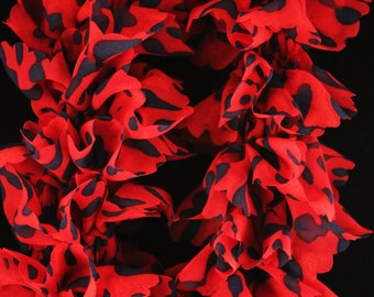 Knitted Ruffle Scarf - Red Leopard